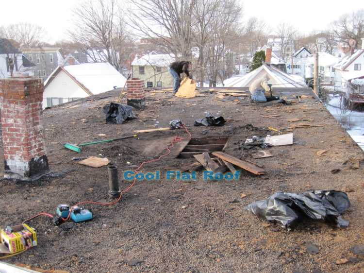 Fix Tar and Gravel Roof http://www.coolflatroof.com/tar-roof-repair.php